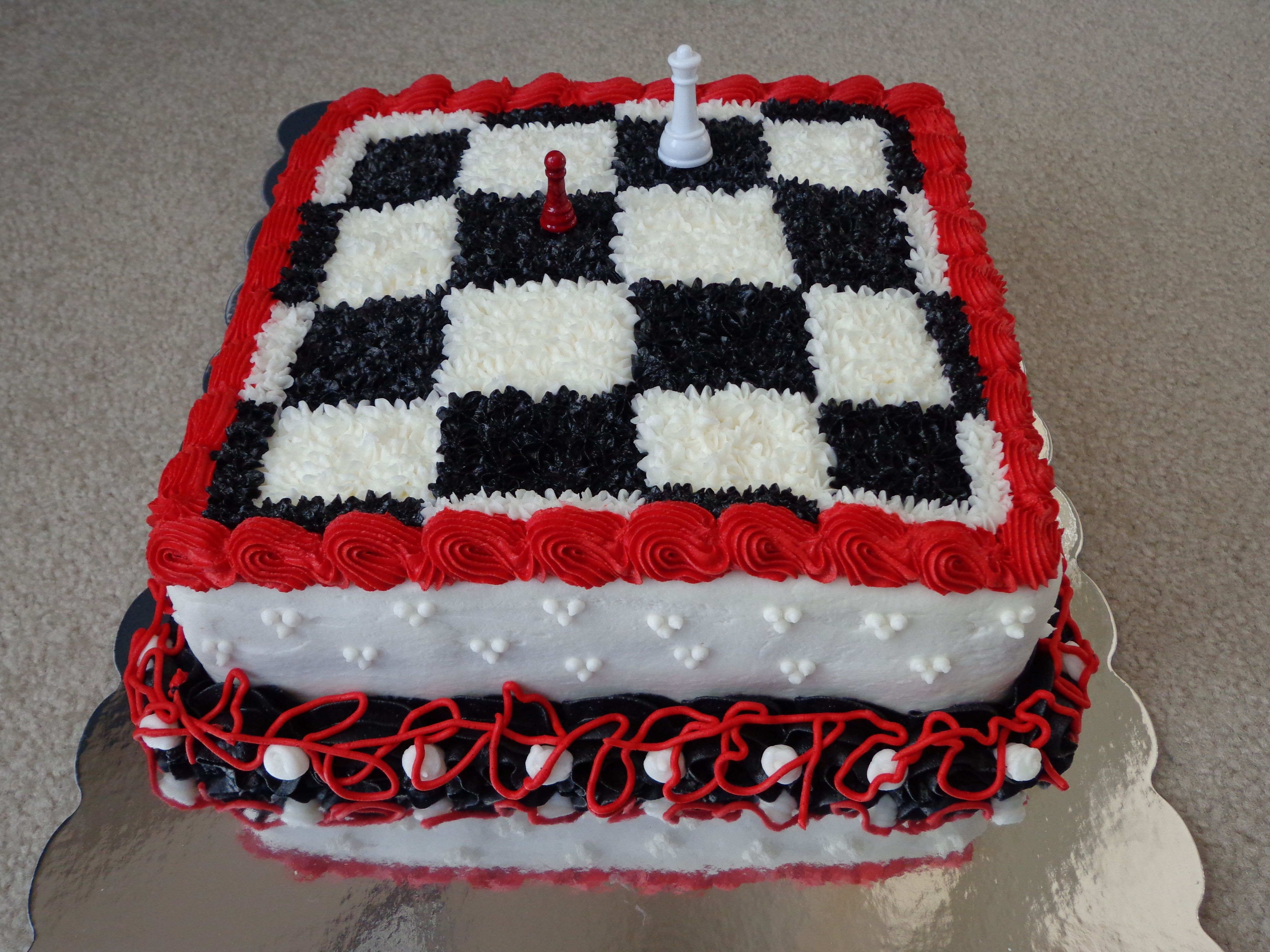Twilight Breaking Dawn Themed Cake With Chess Pieces
