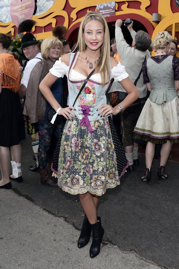 Pin For Later Ein Prosit Auf Die Schonsten Dirndl Der Stars Sandy Meyer Wolden S Traditionelle Kleidung Dirndl Schone Dirndl