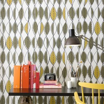 The retro leaves wallpaper has it's inspiration from the 50's and 60's with a combination of modern design.