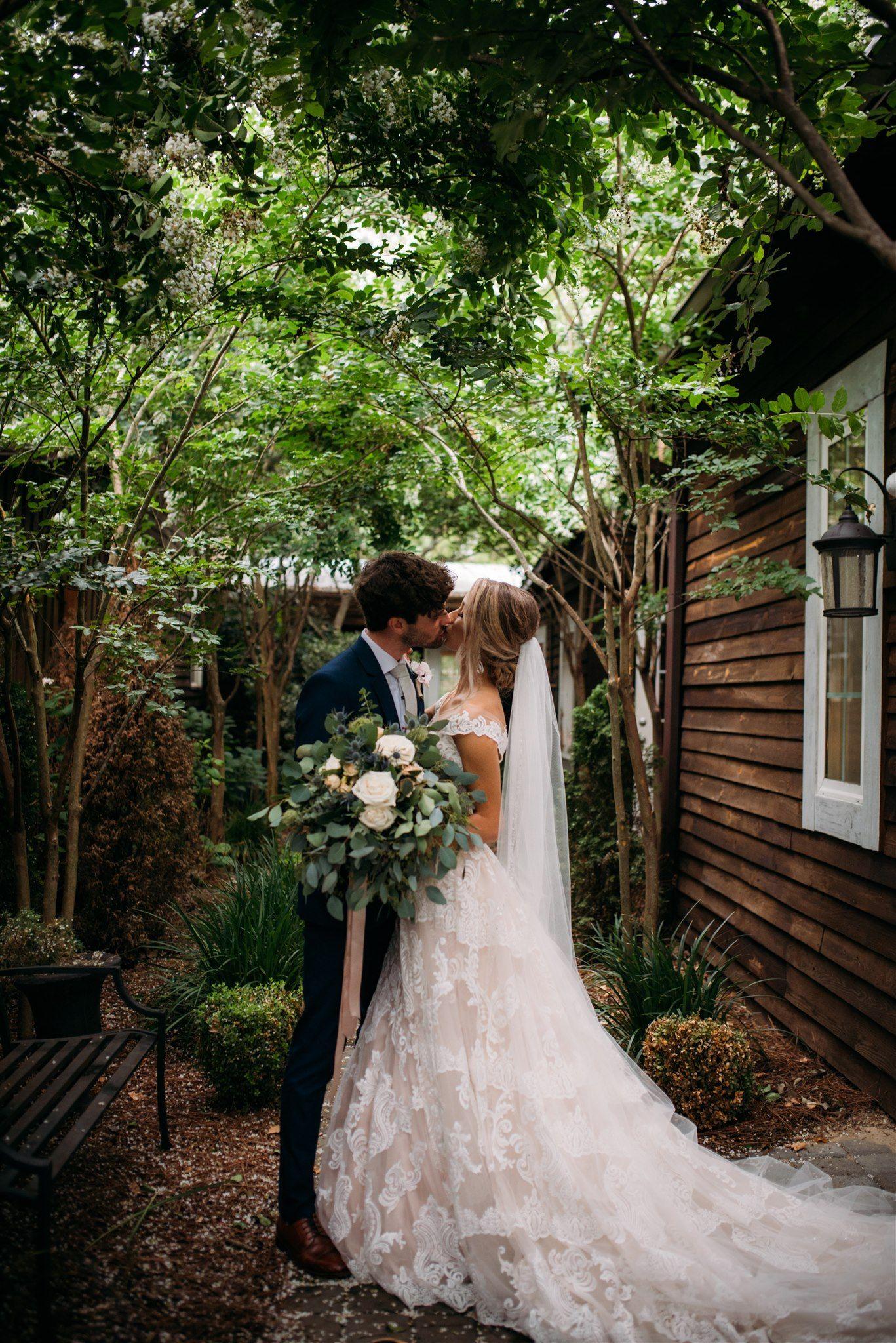 North Carolina Wedding Photograpythe Homestead At Zion