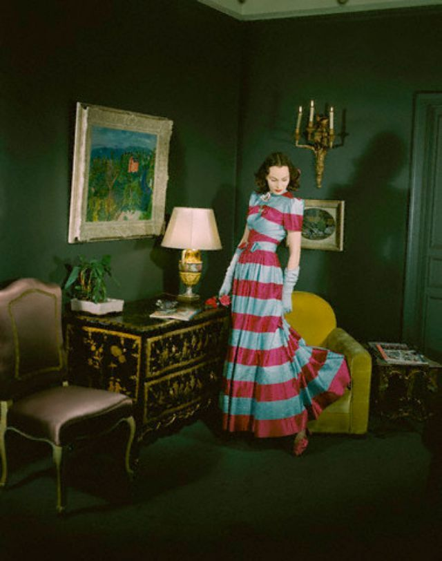 Living room decoration 1940s style dress