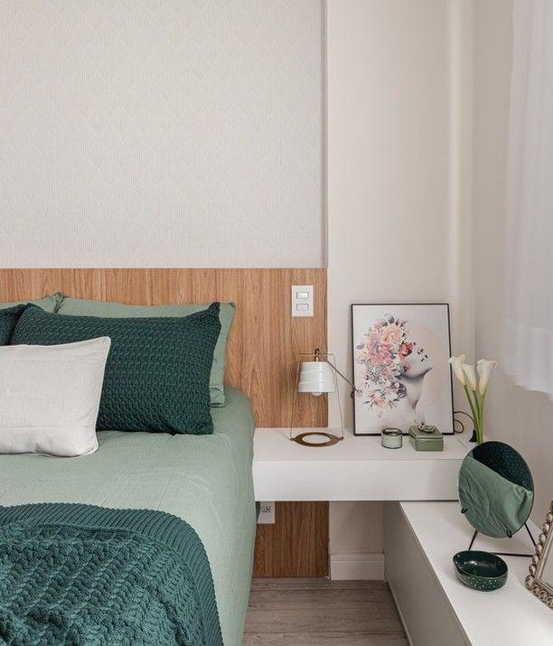 """@casaejardim publicou em seu respectivo perfil do Instagram: """"A inspiração para o décor deste apartamento começou com o que os clientes já tinham."""