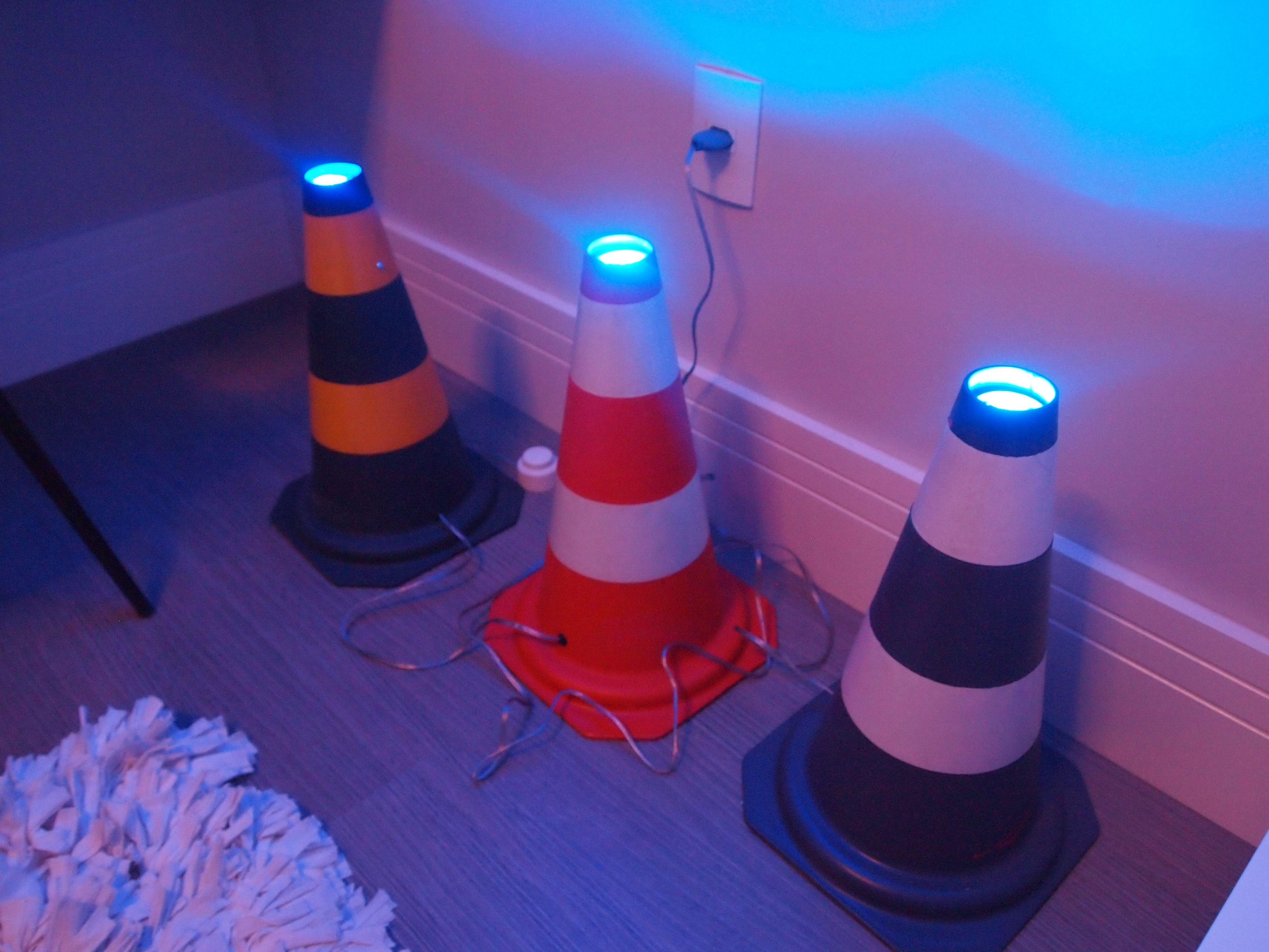 Cones com iluminação deixam o quarto muito mais divertido #rossiamérica