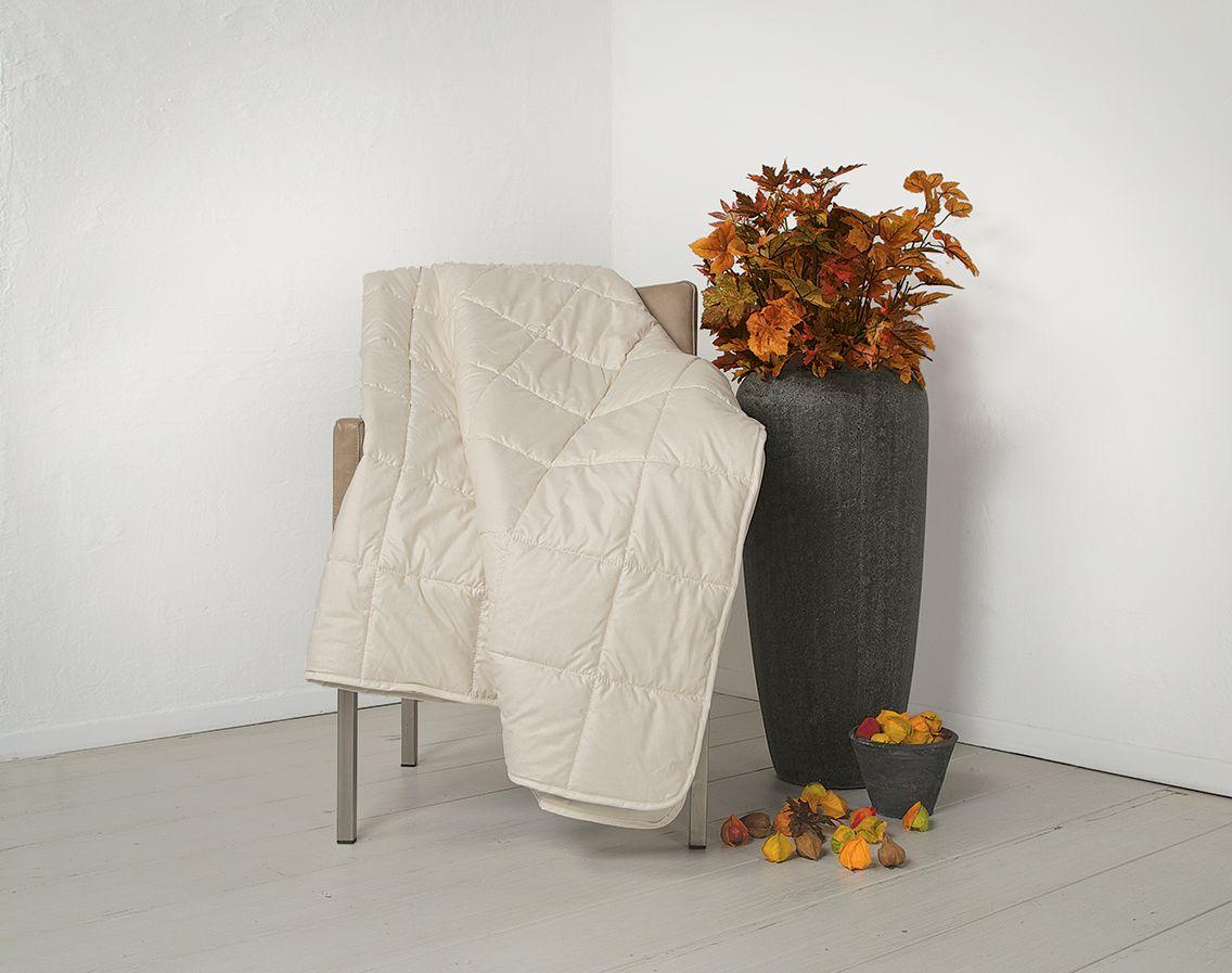 die hanf leicht bettdecke canapa ist eine luftig leichte decke die nur eine geringe. Black Bedroom Furniture Sets. Home Design Ideas