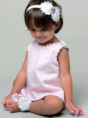 Hija De El Cantante Puertorriqueno Luis Fonsi Y La Modelo Espanola