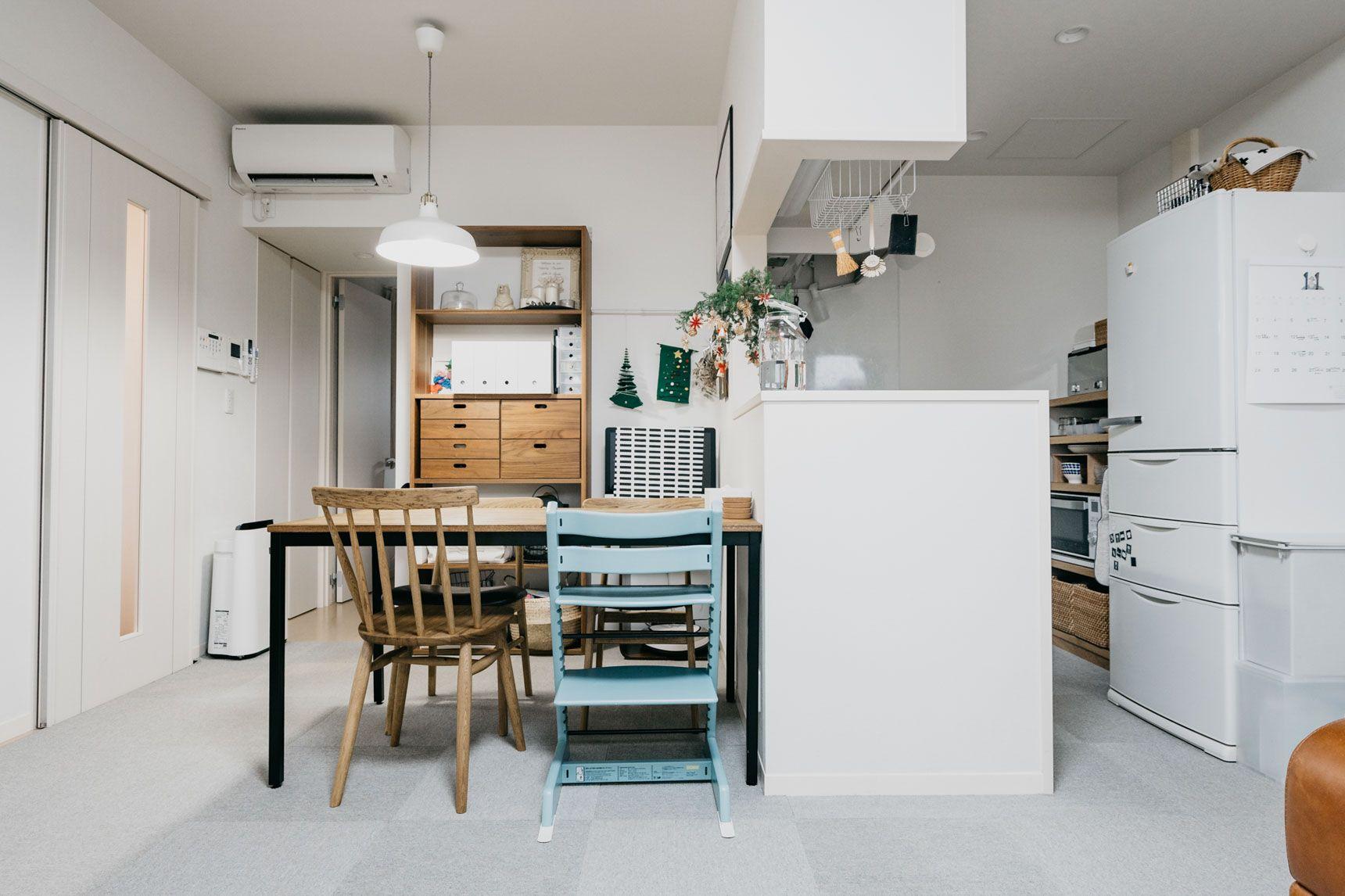 1ldkでコンパクトに 家族4人の暮らしかた Goodroom Journal 狭いリビング レイアウト 小さなアパートのキッチン リビング キッチン