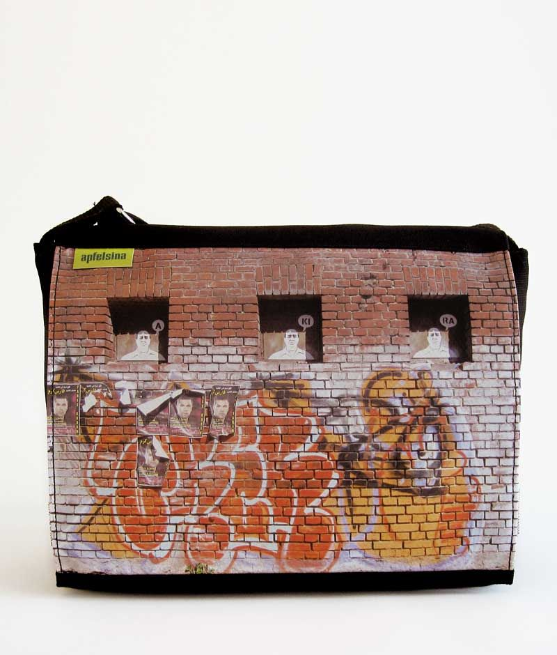 Apfelsina Schoulder Bag Boblicity.  This handmade Bag shows a street art painting in Berlin.   Now available at our online store.  http://www.apfelsina.de