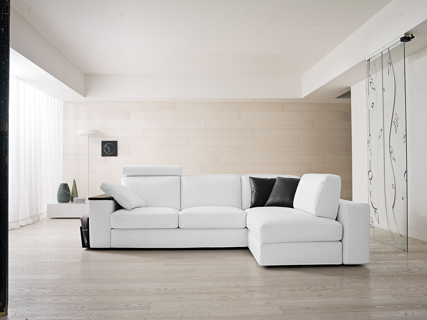 Il divano Night & Day by Samoa. #white #bianco #divani #furniture ...