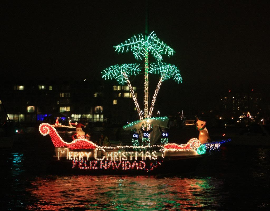 Christmas Boat Decorations.Pin By Margaret Surratt On Christmas Boat Parade