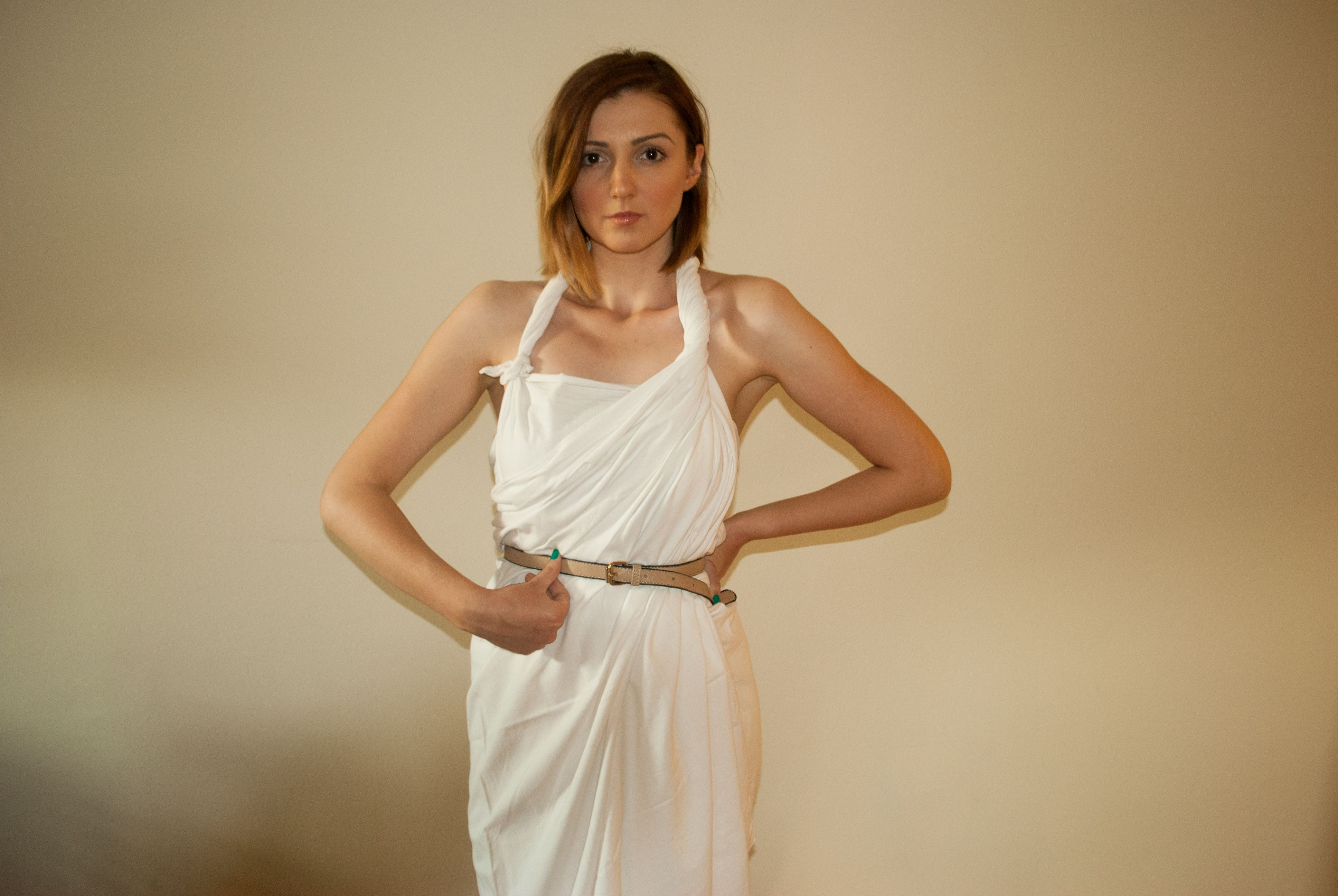 How To Make A Female Toga Toga Costume Diy Toga Outfits Greek Toga