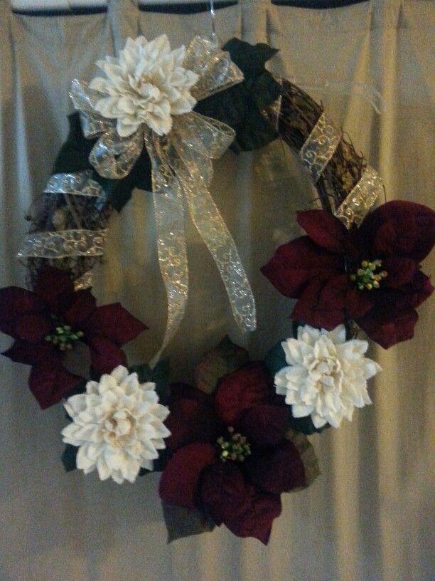 Old Fashion Christmas wreath. | Christmas wreaths, Old ...