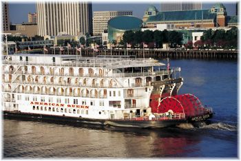 The American Queen Riverboat Based In Memphis Tn 4 Night Cruise Docki There S No Place