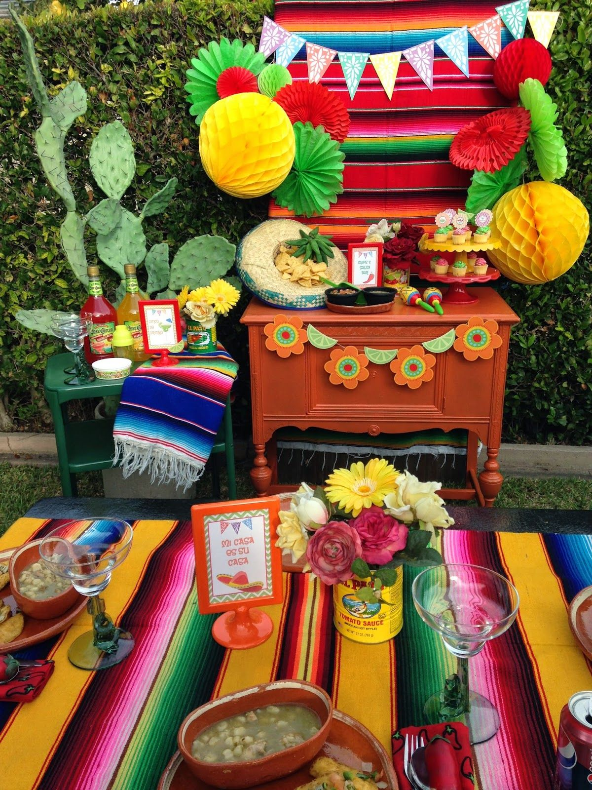 Mexican fiesta party decorating ideas hosting guide - Fiesta Party Ideas Via Catch My Party