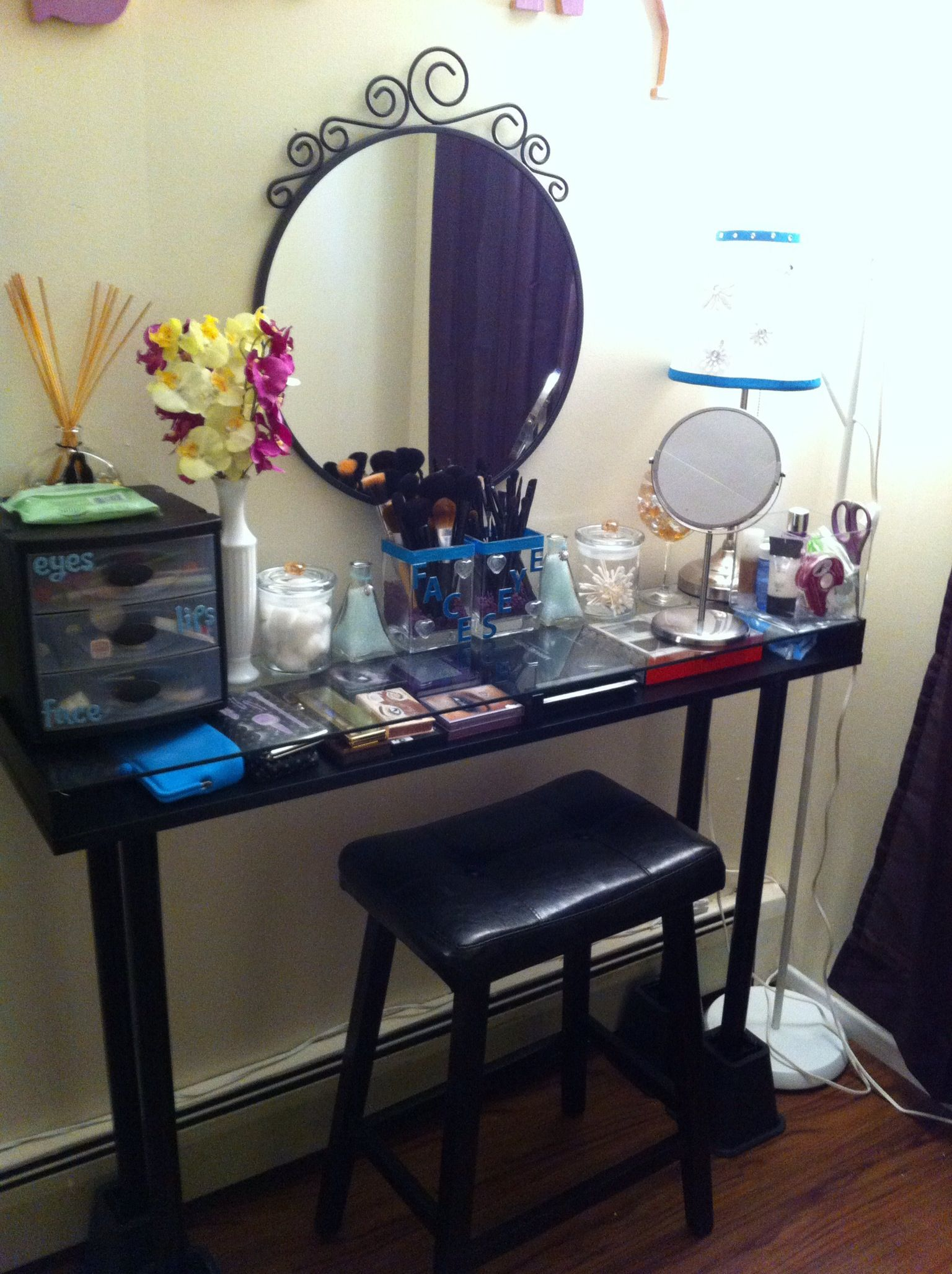 When In Doubt Make Your Own Vanity Table 3 Make Your Own Makeup Cool Things To Make Diy Makeup Vanity