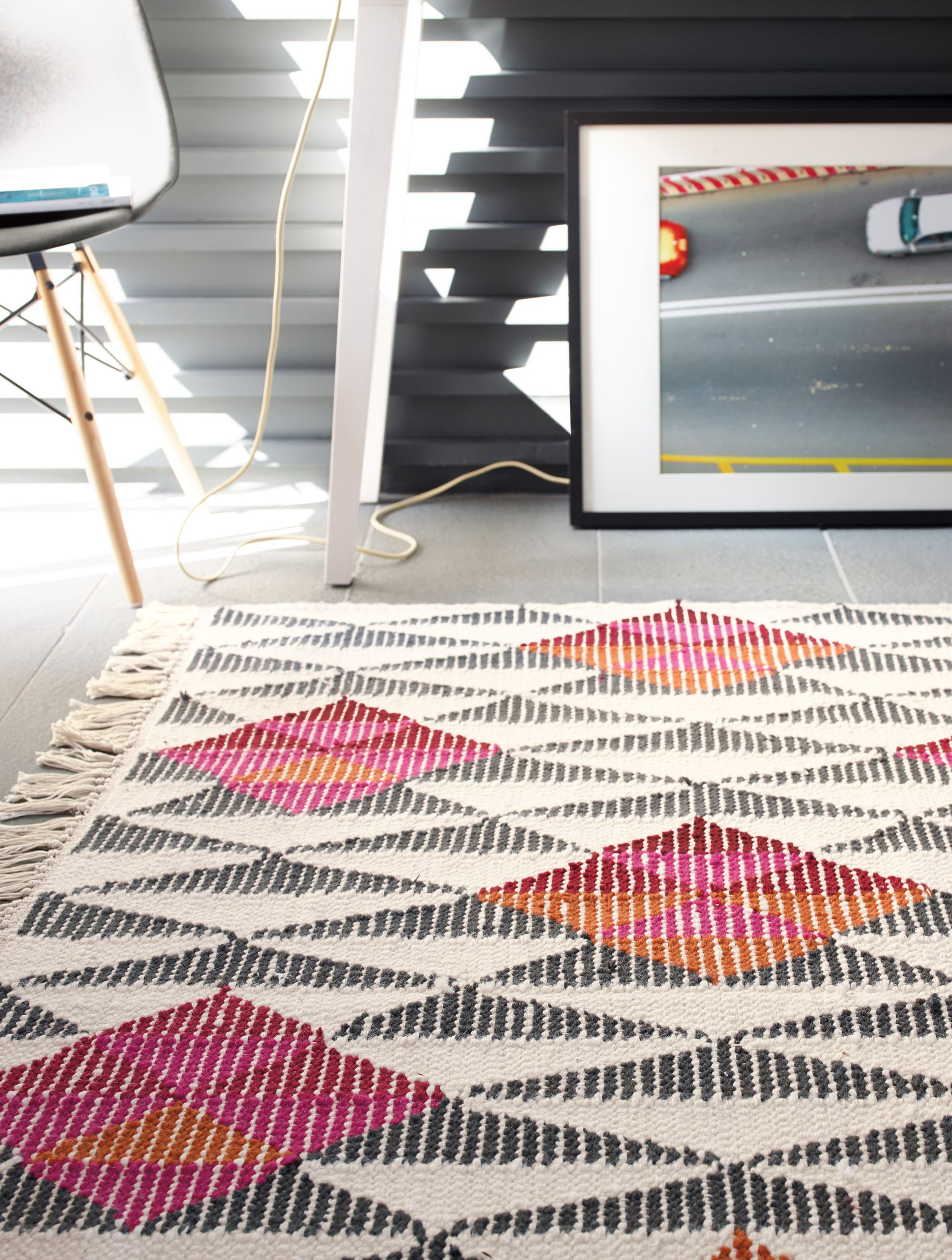Our Kalpana Kilim Rug Livens Up Any Room With Its Precisely Ed Geometric Pattern Black