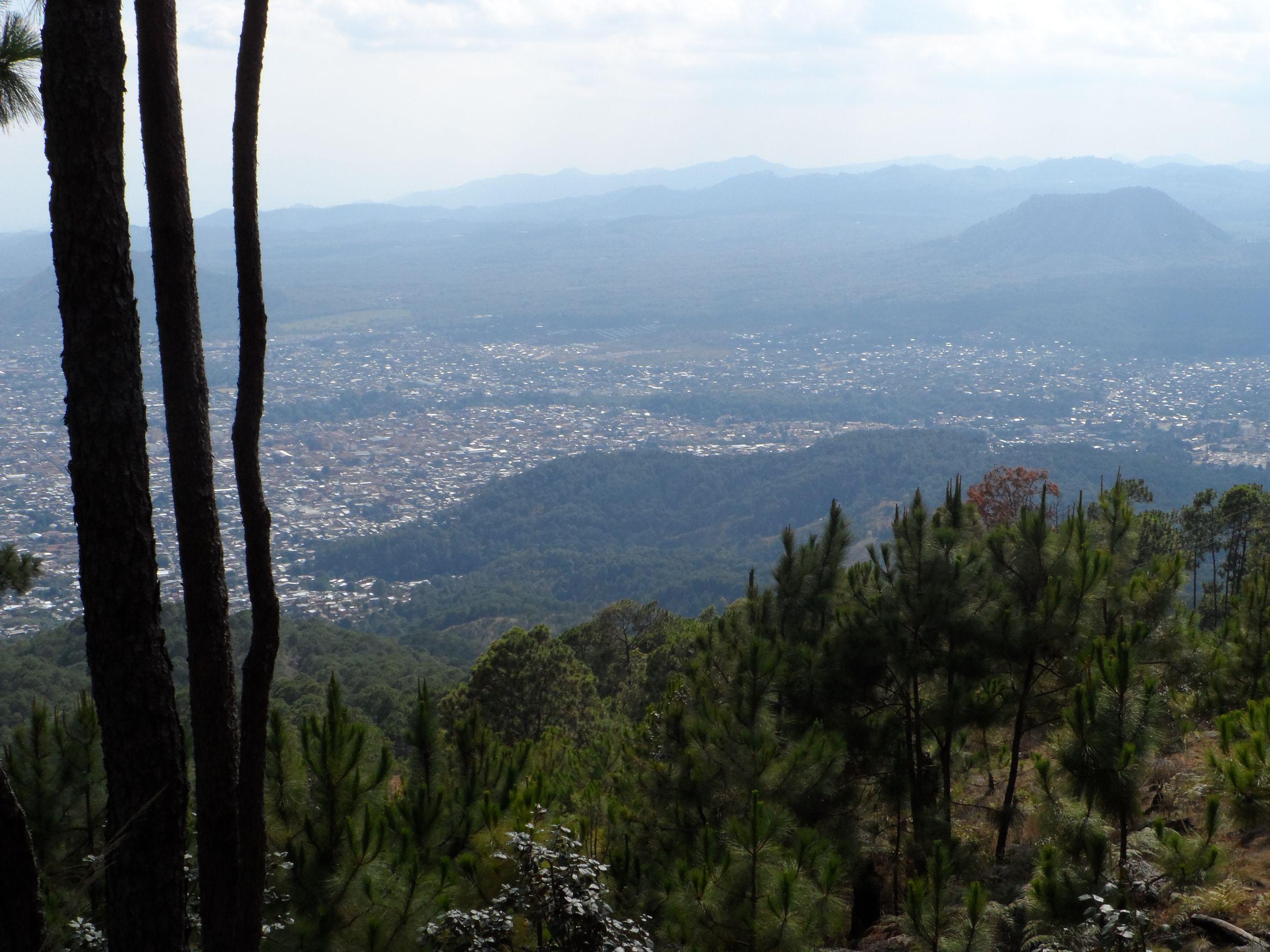 Uruapan visto desde las antenas del Cerro de la Cruz   Uruapan, Cruz