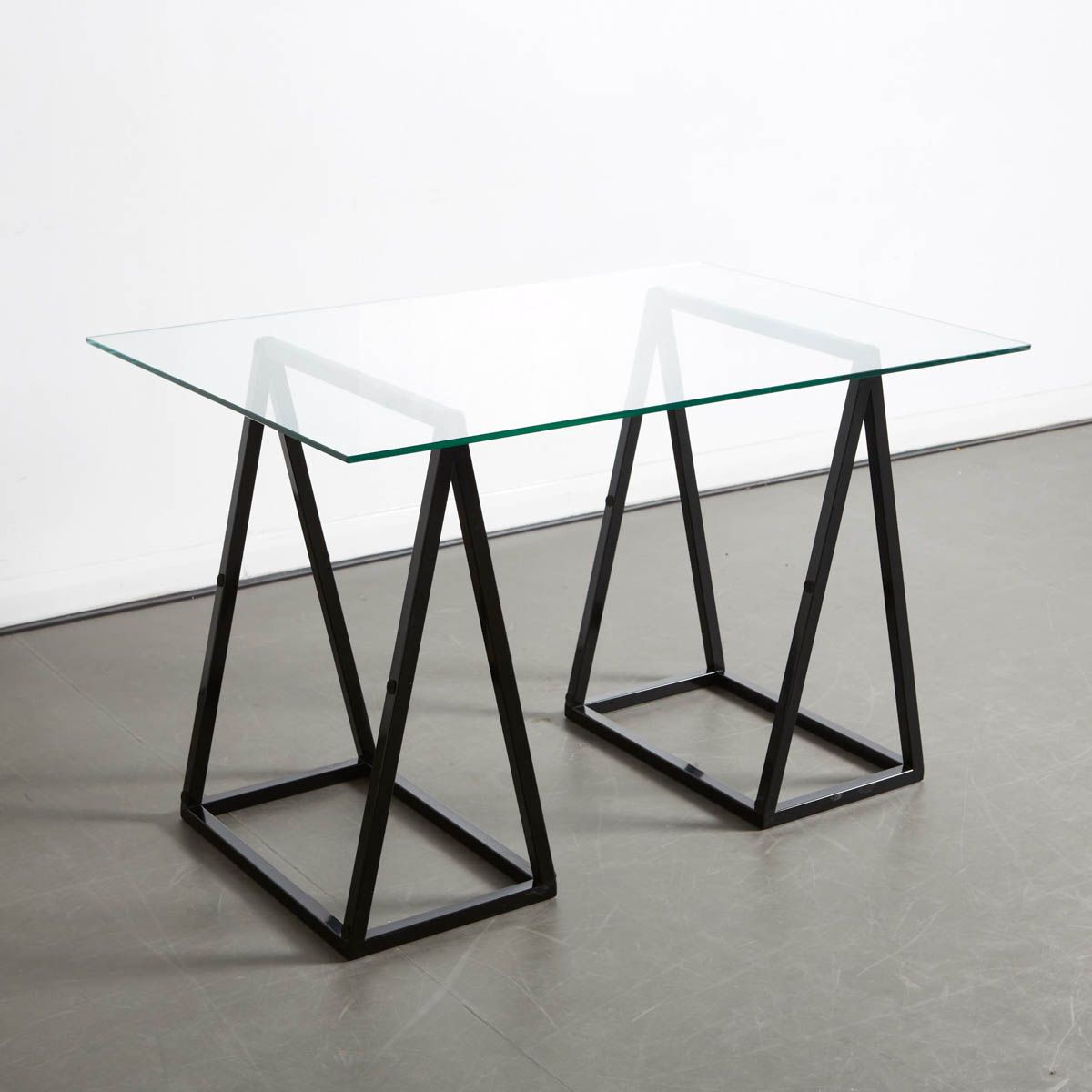 A Frame Table Is Perfect For Small Space Living Mobilier