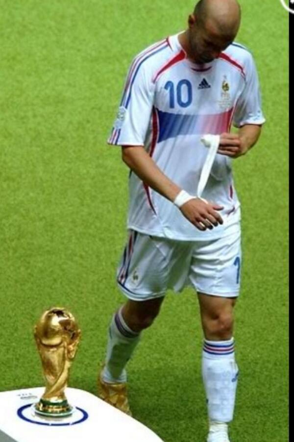 Gary Neville On Twitter Zinedine Zidane Football Soccer
