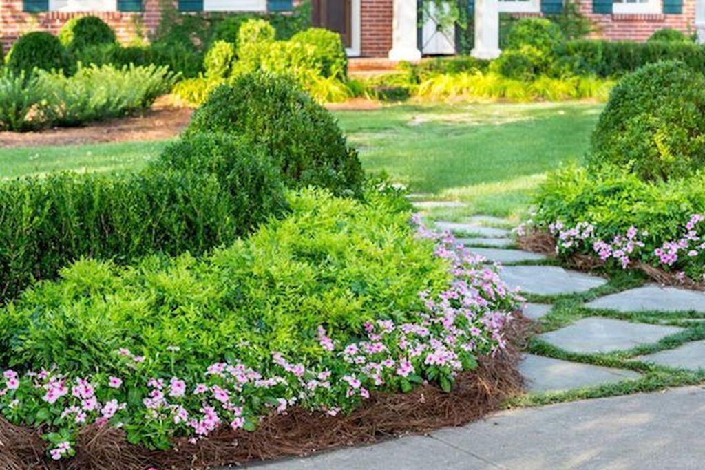 41 Inspiring Design Ideas About The Garden In Side Of Your Home Home Dsgn Front Yard Landscaping Front Yards Curb Appeal Front Yard