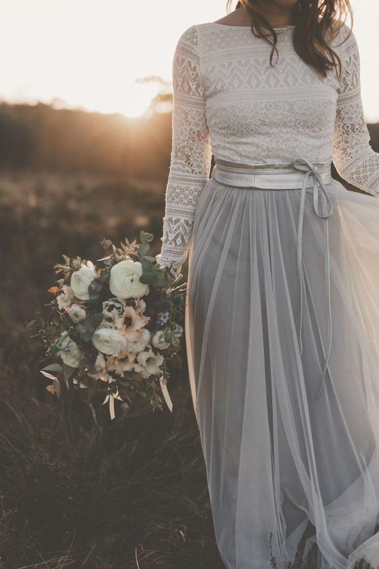 Boho Brautkleid mit Spitze und Tüllrock in Grau  Graue