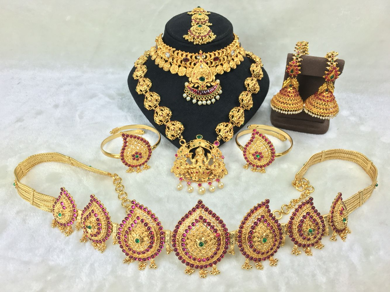We Rent High Quality Bridal Jewellery Sets For Muhurtham Reception And Other Special Occ Bridal Jewelry Sets Bridal Jewelry Collection Bridal Fashion Jewelry