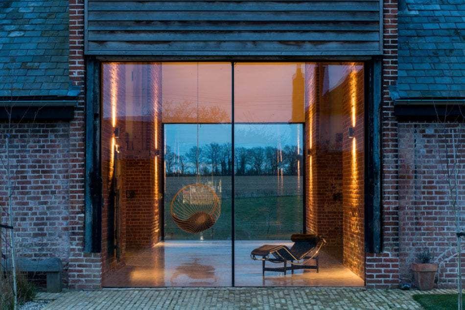 schuur-12  - Deze schuur is omgebouwd tot enorme leefruimte - Manify.nl