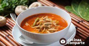Sopa de nopales con pollo al estilo de Sonia Ortiz por Cocina al natural
