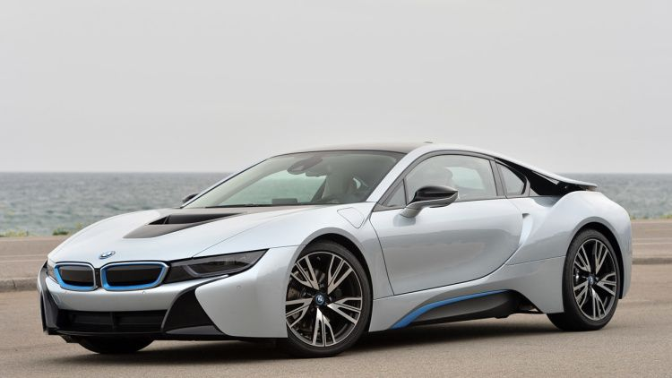 BMW i8 could get 300-hp, 2.0L turbo-four
