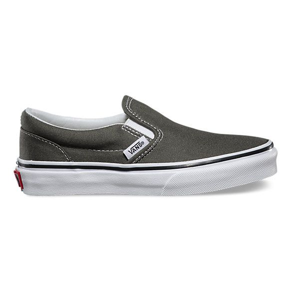 Sizing Notes: FITS TRUE TO SIZEThe Canvas Classic Slip-on has a low profile…