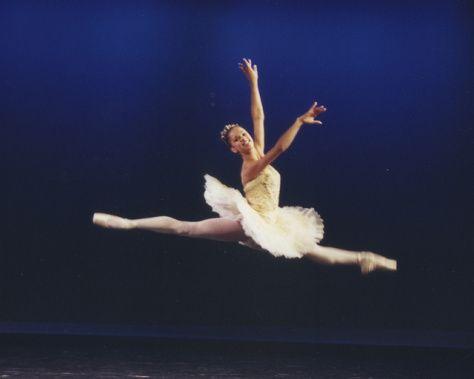 Grande Jete Principal Ballerina Misty Copeland Misty Copeland American Ballet Theatre Dance Poses