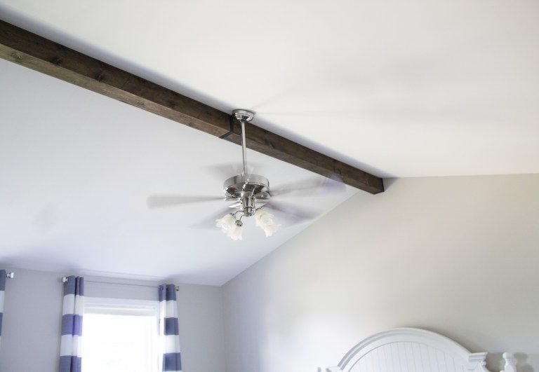 How to: Faux Wood Beam on a Vaulted Ceiling #vaultedceilingdecor How to: Faux Wood Beam on a Vaulted Ceiling - Hazel Darling #vaultedceilingdecor