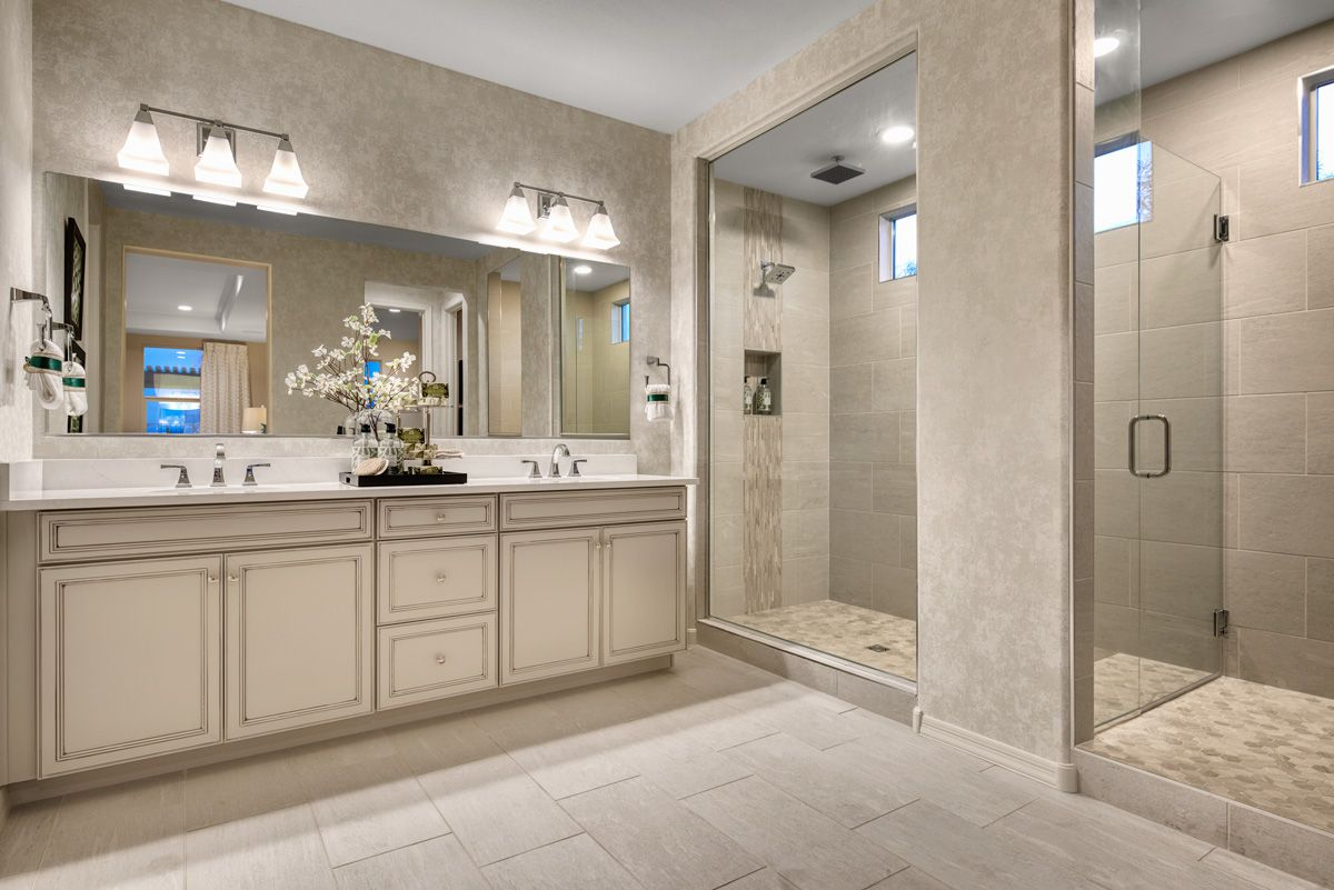 Luxurious master bath in 4  Richmond american homes, Bathroom