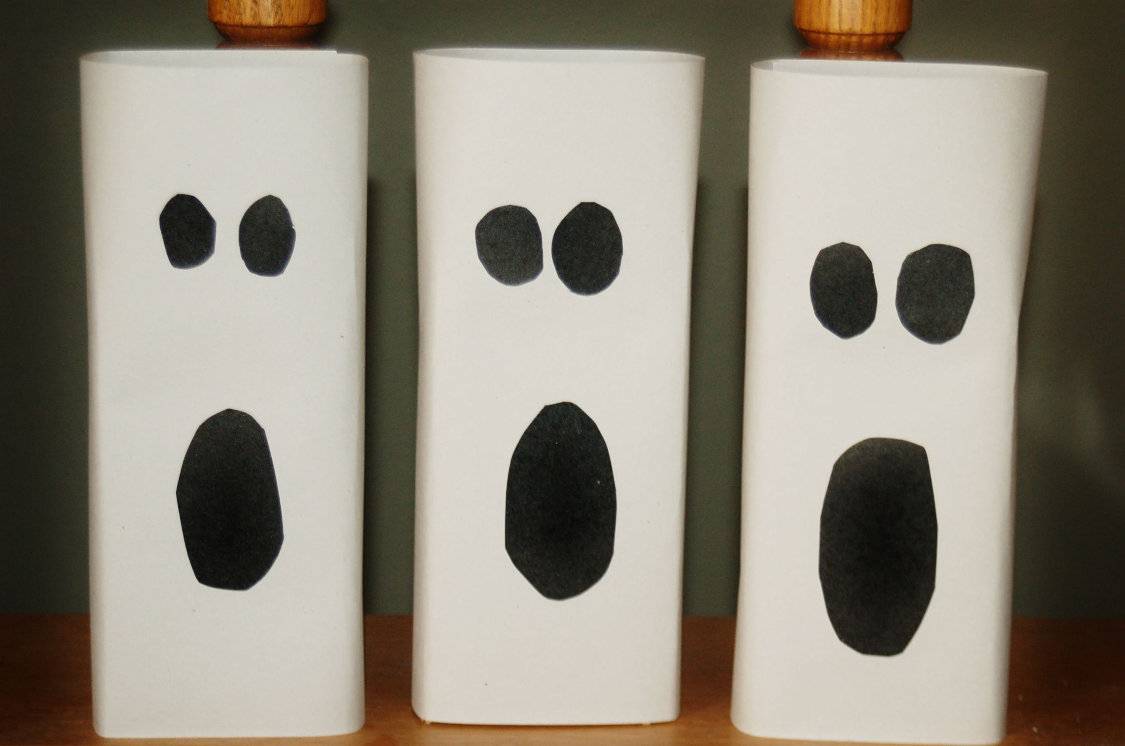 Easy Halloween Ghost Home Decor   Ghost crafts, Halloween ghosts and ...
