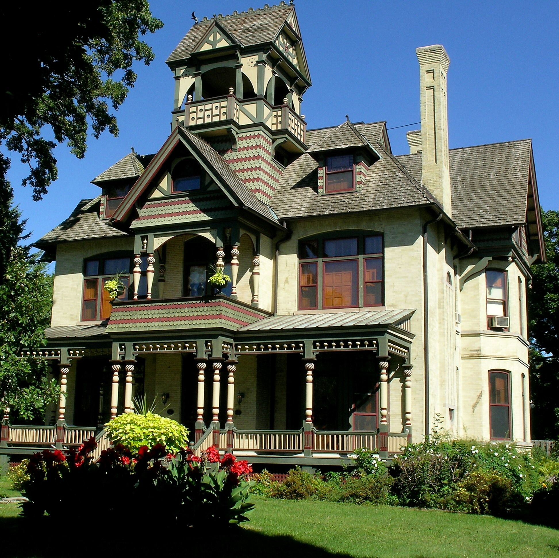 Allyn Mansion Mansions, Bed and breakfast, Lake geneva