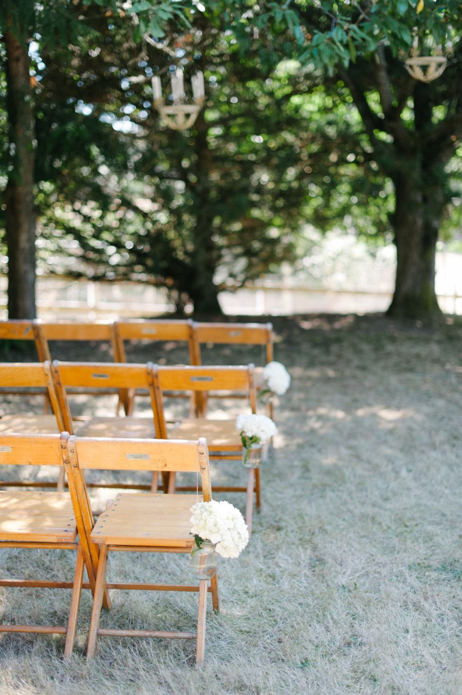 Photography : Blue Rose Photography | Venue : The Wayfarer Farm Read More on SMP: http://www.stylemepretty.com/washington-weddings/langley-washington/2015/10/02/romantic-washington-island-wedding/
