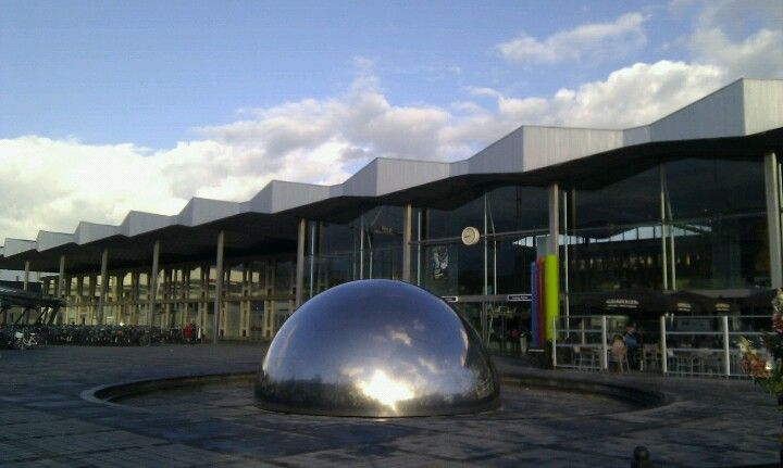 Station Sint Niklaas Railway Station Station Sydney Opera House