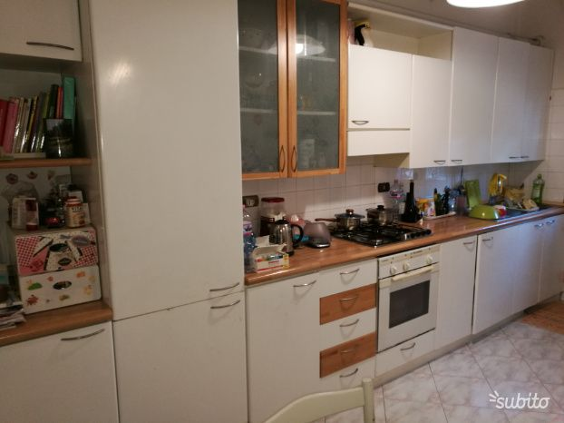 Cucine Usate A Reggio Emilia.Cucina Usata In Buono Stato Arredamento E Casalinghi In