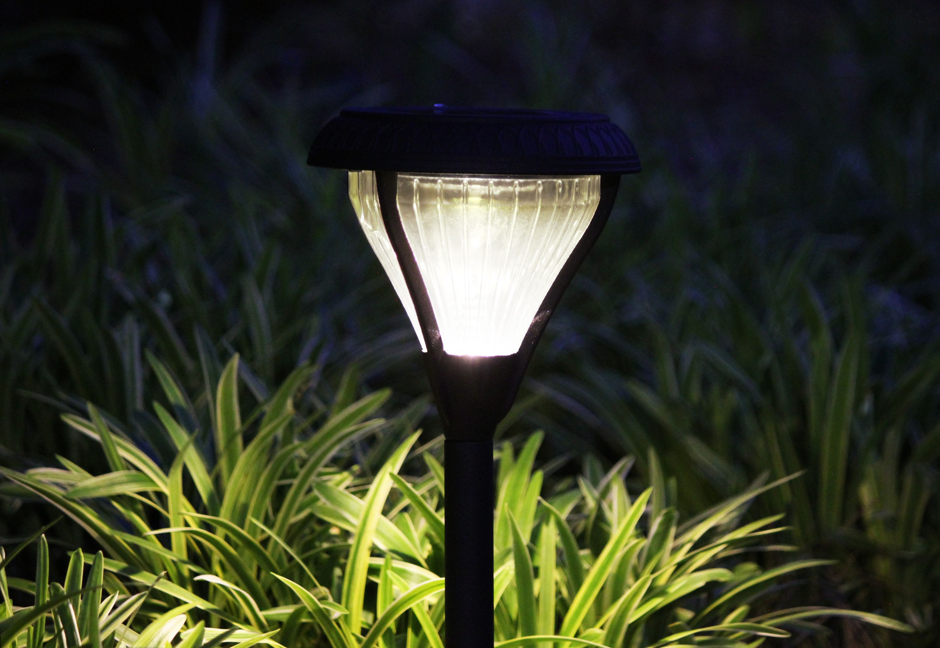 Premier solar garden light gs 139 set of 2 need to illuminate a pathway garden or driveway the premier solar garden light gs 139 is the perfect solar light solution arubaitofo Gallery