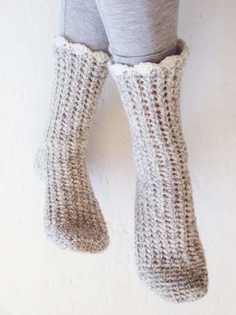 How to Crochet Socks: Top Tips & Patterns | Pantunflas, Patrón de ...