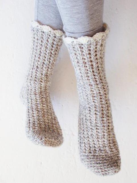 How to Crochet Socks: Top Tips & Patterns | Pantunflas, Patrón de ...