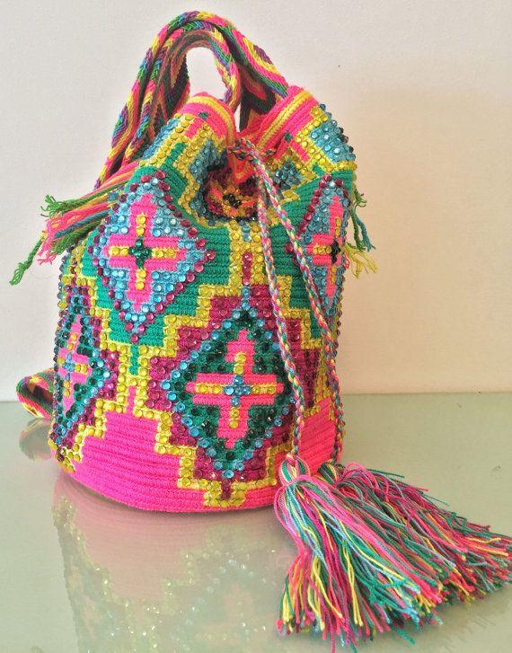 Original handmade embroidered wayuu mochila bag by LaTiendademaku