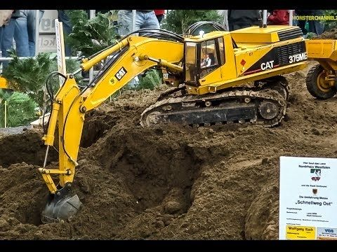 Rc Excavator Caterpillar 345d In Action At Rc Glashaus Youtube Rc Construction Equipment Excavator Construction Equipment