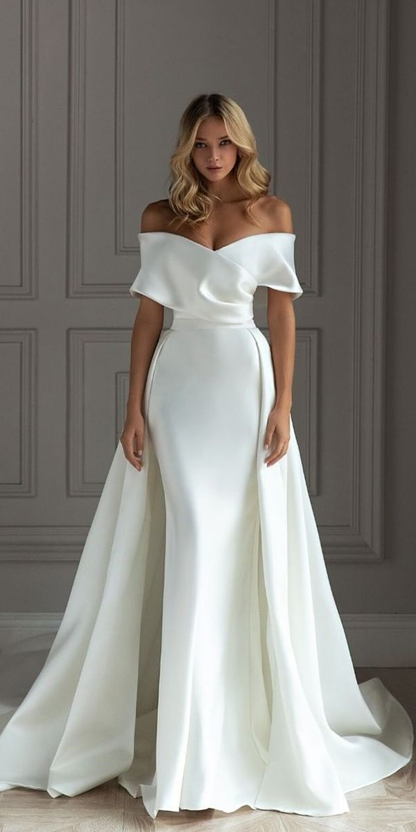 24 Silk Wedding Dresses For Elegant and Refined Bride