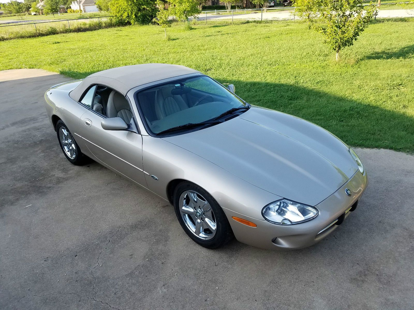 Car Brand Auctioned:Jaguar XK8 Base Convertible 2 Door 1998 Car Model Jaguar  Xk