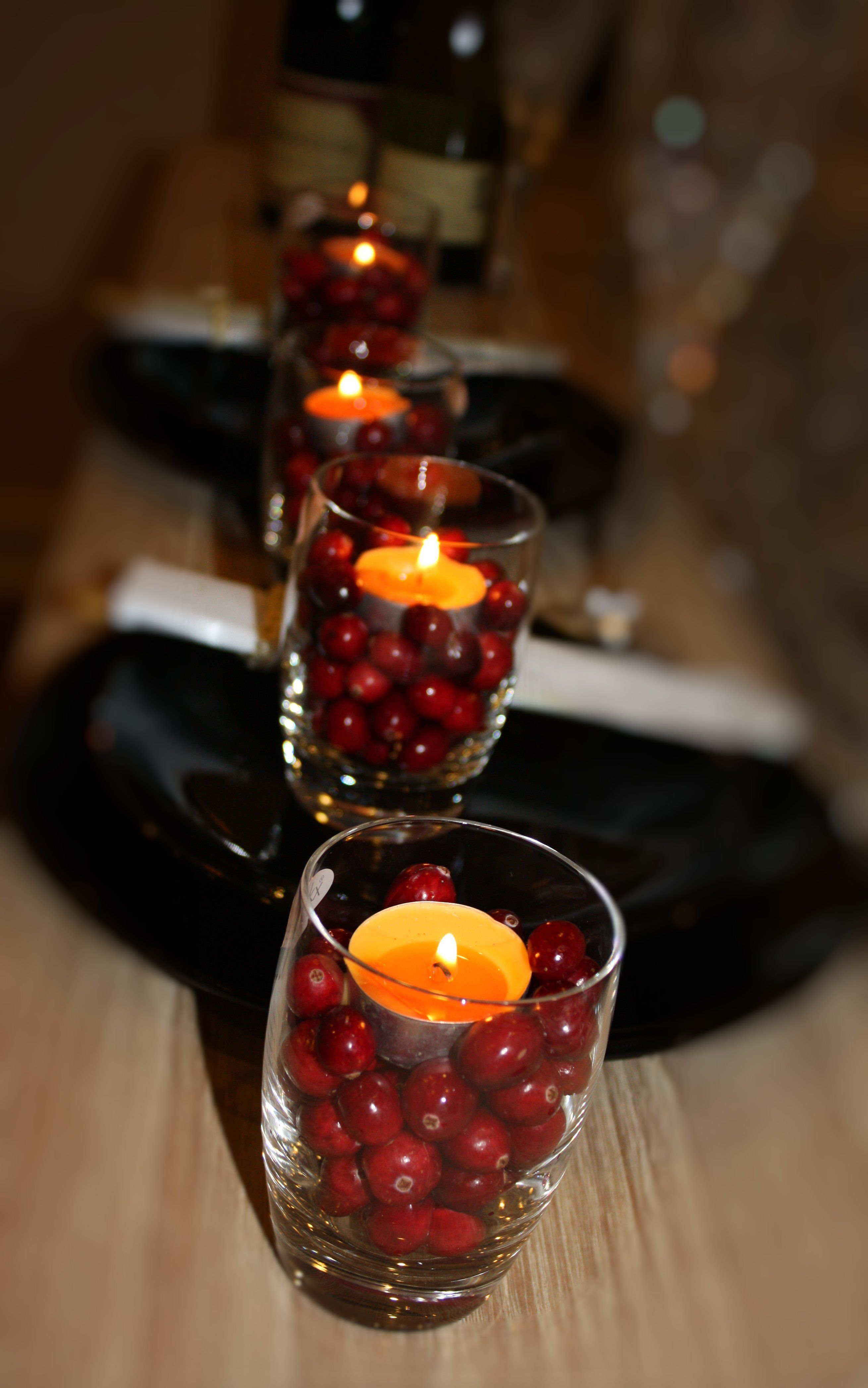 Diy Holiday Wedding Centerpieces Candles,Glass And Cranberries Httpthediamonddossier