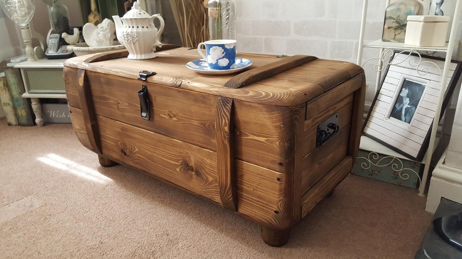 Industrial Vintage Army Rustic Trunk Chest Coffee Table Blanket