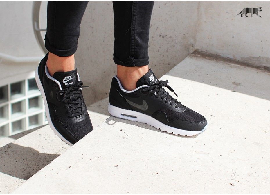 All The Sneakers: Nike Wmns Air Max 1 Ultra Essentials