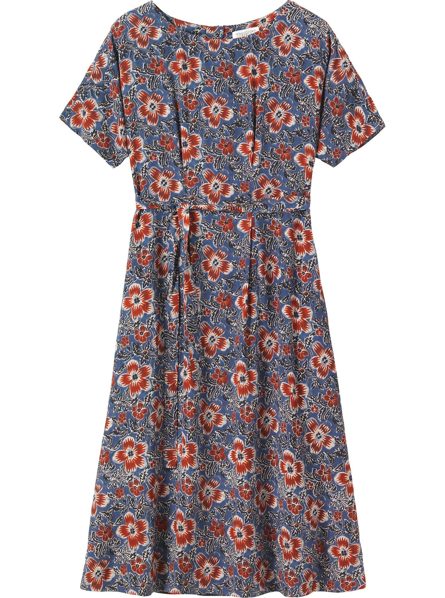 Lightly fitted, floral print dress in a drapey, viscose crêpe. Boat ...
