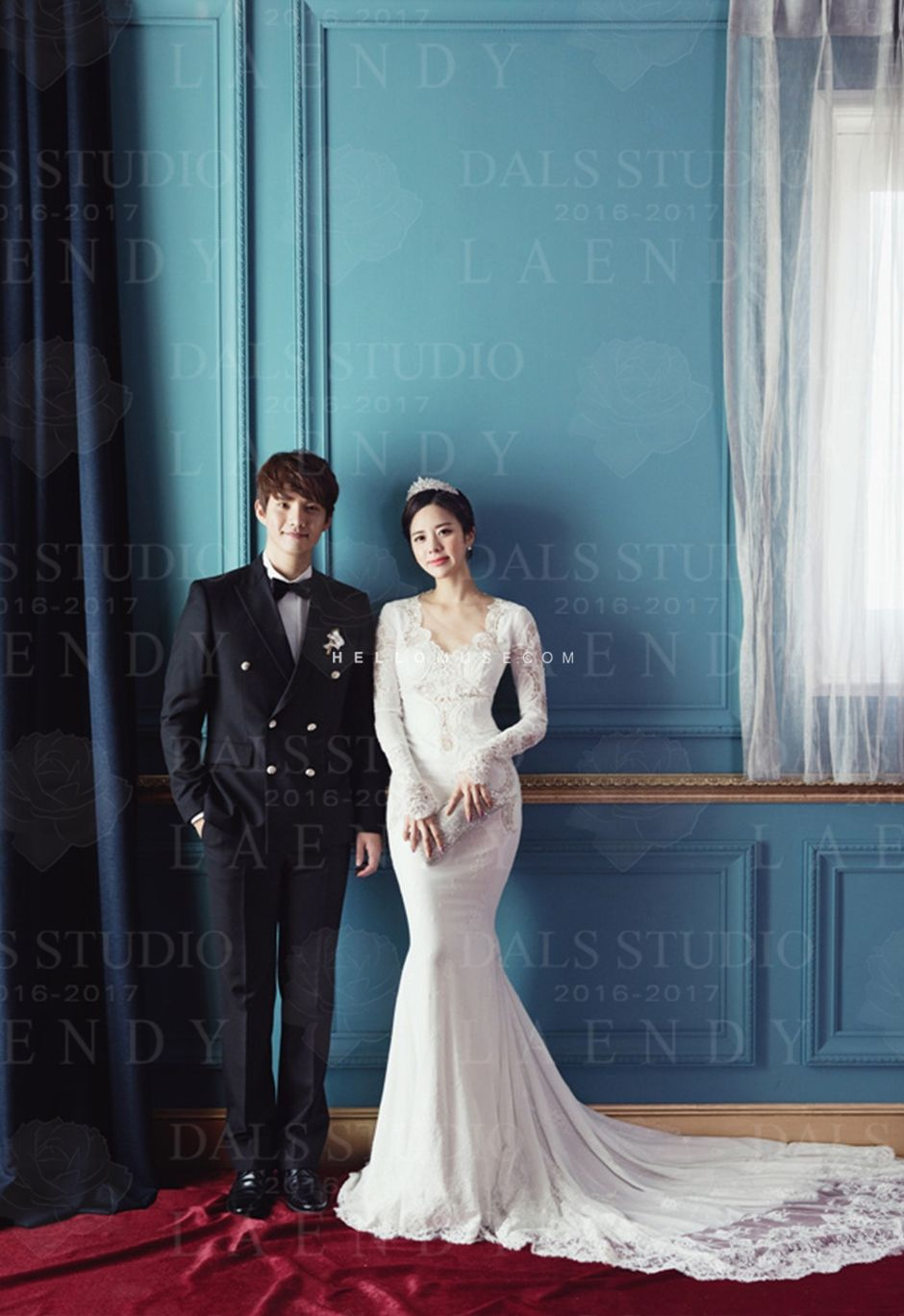gorgeous bride photo, backless wedding gowns in Korea, Korean bridal ...