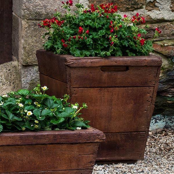 Campania International Cast Stone Medium Vendange Planter